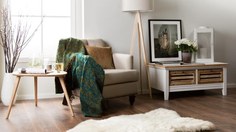 stół w stylu skandynawskim do salonu