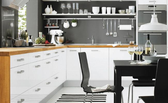 Czarno-biała aranżacja kuchni