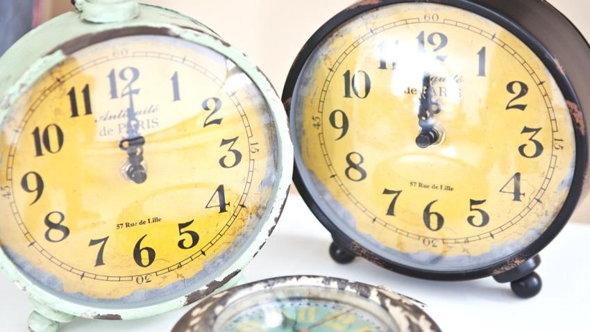 Zegar w stylu prowansalskim
