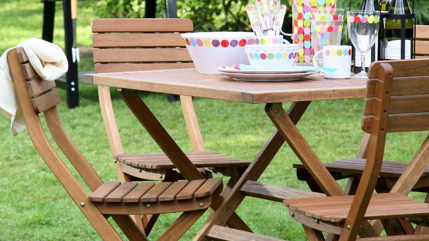 Krzesła ogrodowe drewniane