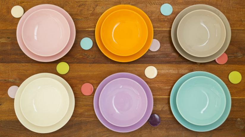 kolorowa zastawa stołowa na 6 osób