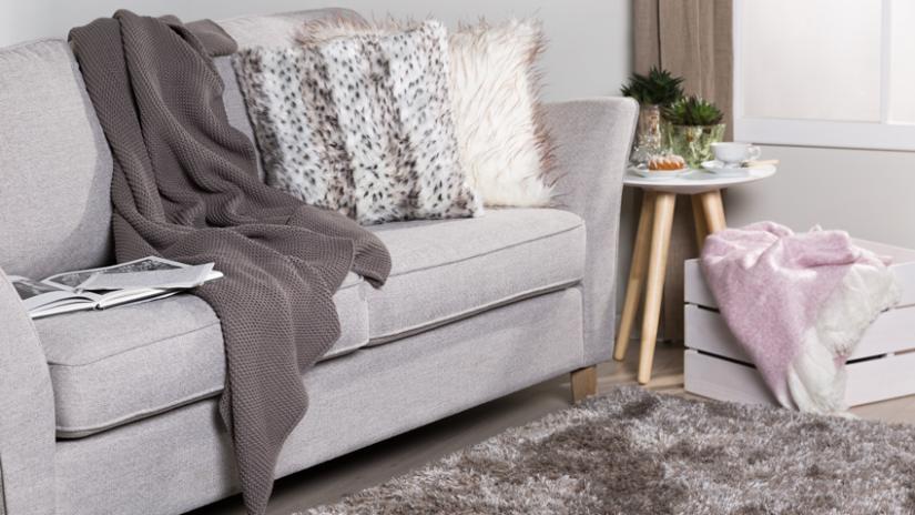poduszki w stylu skandynawskim do salonu