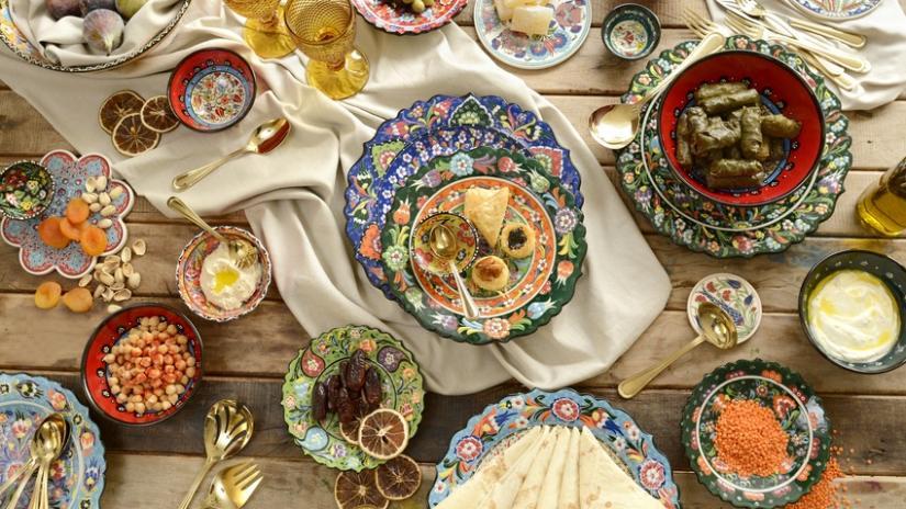 talerze dekoracyjne w stylu orientalnym