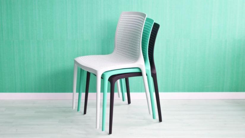 krzesło turkusowe plastikowe