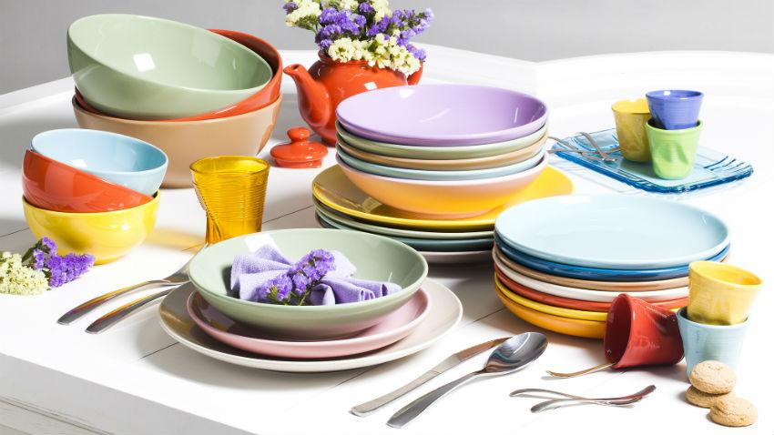 Kolorowa zastawa sto owa na dobry apetyt westwing - Piatti da cucina moderni ...