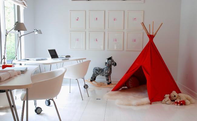 Pokój dziecięcy w stylu skandynawskim i drewniane panele