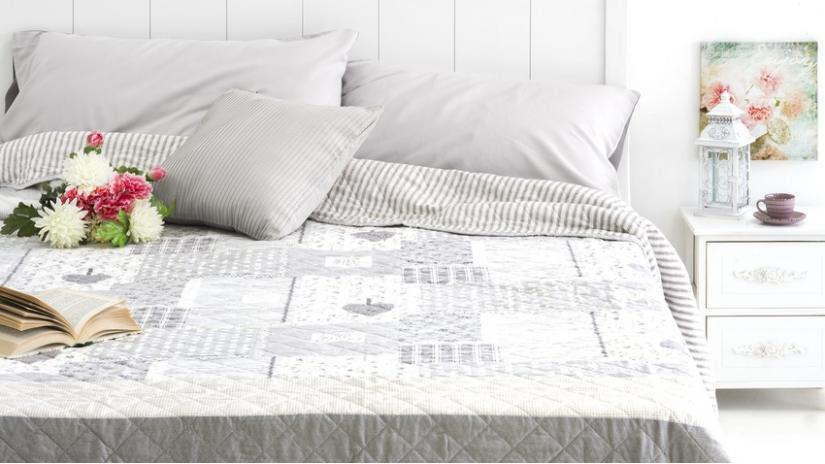 sypialnia w stylu rustykalnym kolory
