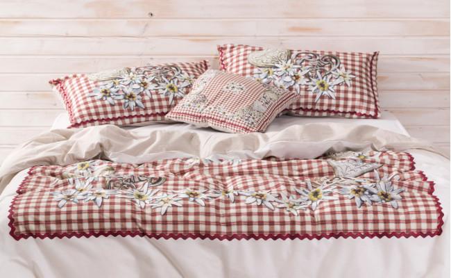 Rustykalna sypialnia i pościel w kratkę