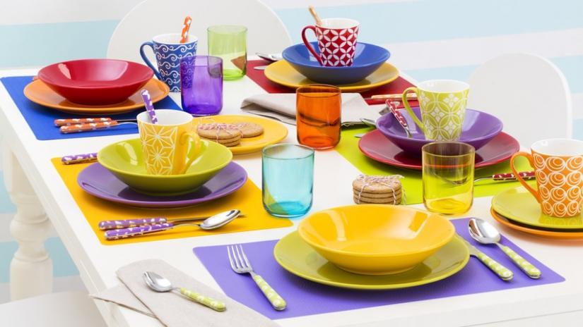 kolorowe talerze zestaw