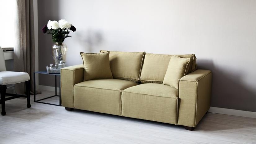 zielona sofa dwuosobowa