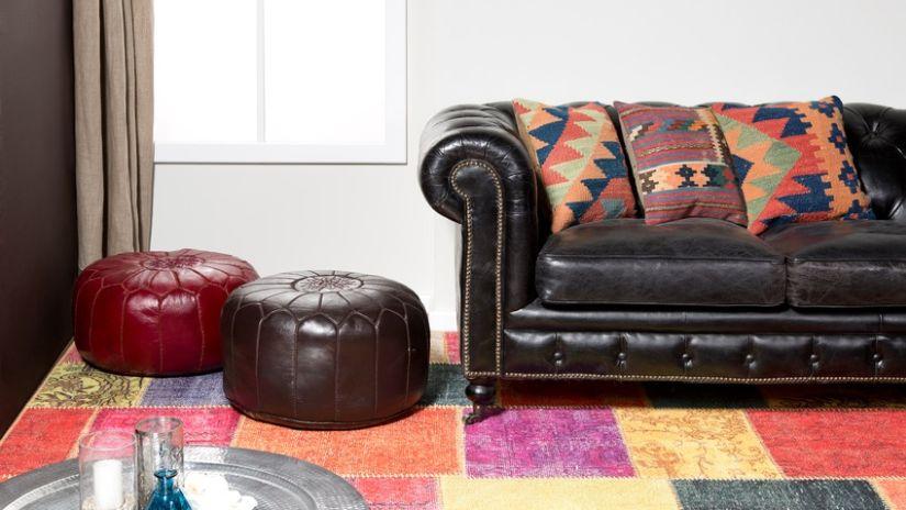 Kožené taburetky vo vintage štýle