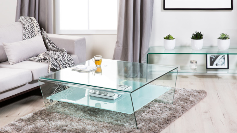 Sklenený konferenčný stôl do obývačky