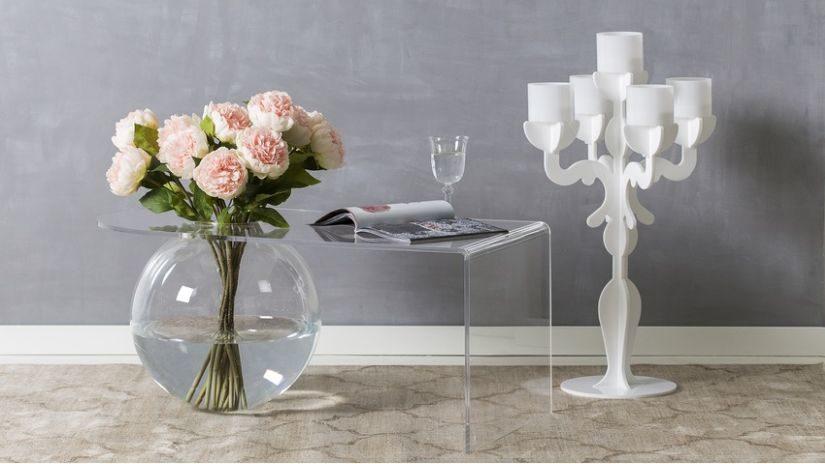 Moderná váza v tvare gule