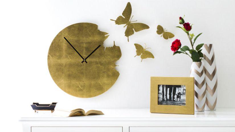 Zlaté nástenné hodiny do obývačky
