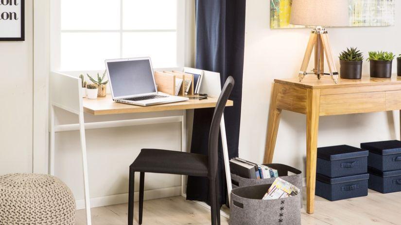 Elegantná stolička k písaciemu stolu