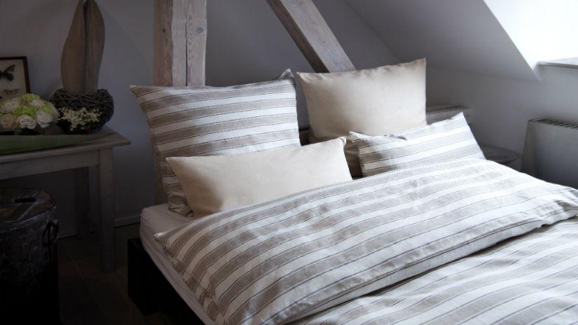 Praktická rozkladacia posteľ do podkrovia