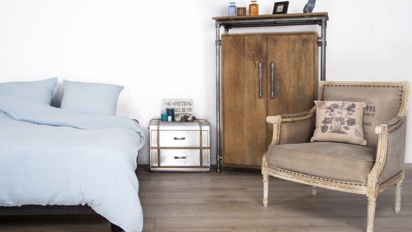Rozkladacia posteľ vo vintage štýle