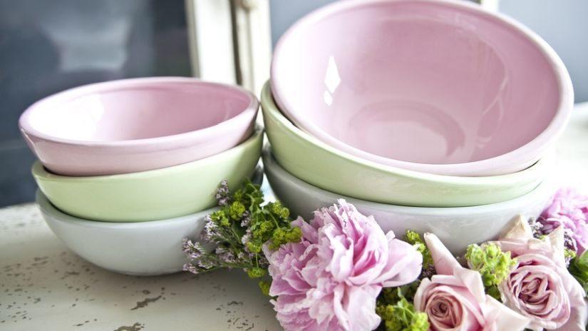 Keramické misky v pastelových farbách
