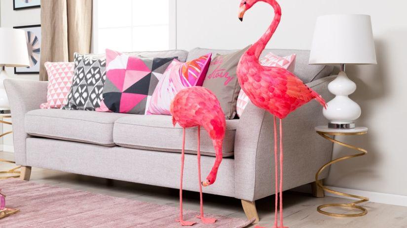 Štýlový ružový tkaný koberec
