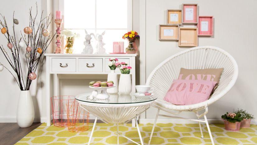 Dekorácie do obývačky v pastelových farbách