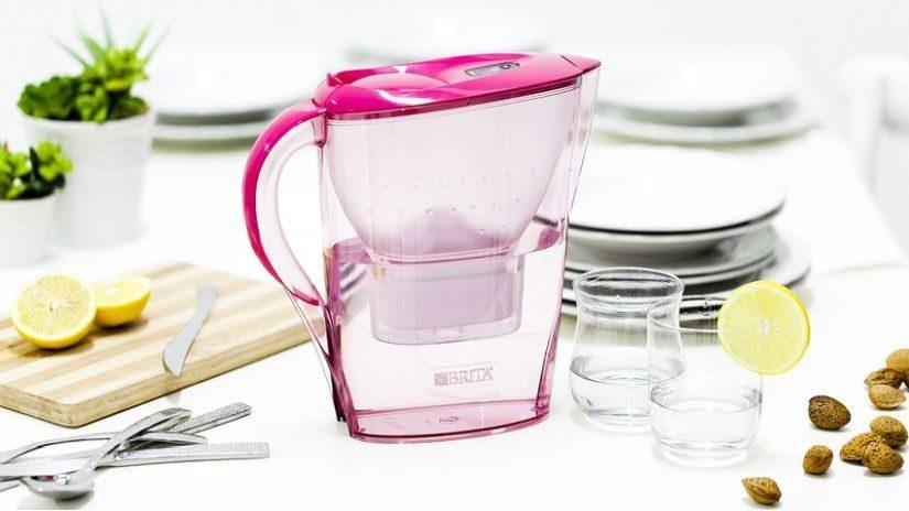 Ružová karafa na vodu
