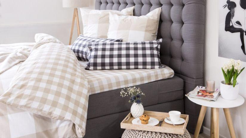 Boxspring sivá vysoká posteľ