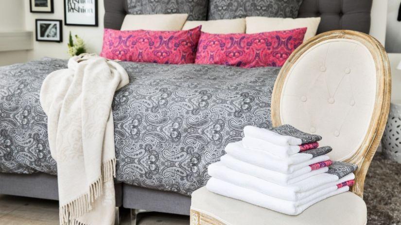 Klasická boxspring posteľ