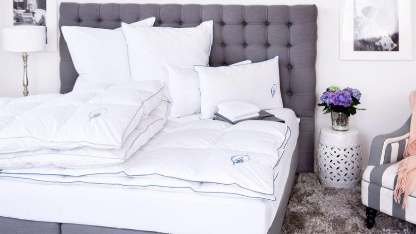Boxspring americká sivá posteľ