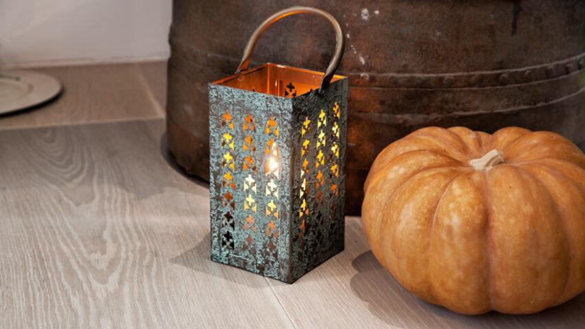 Jesenná dekorácia z kovu