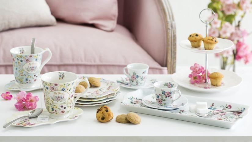 Kávový set s kvetinovým vzorom