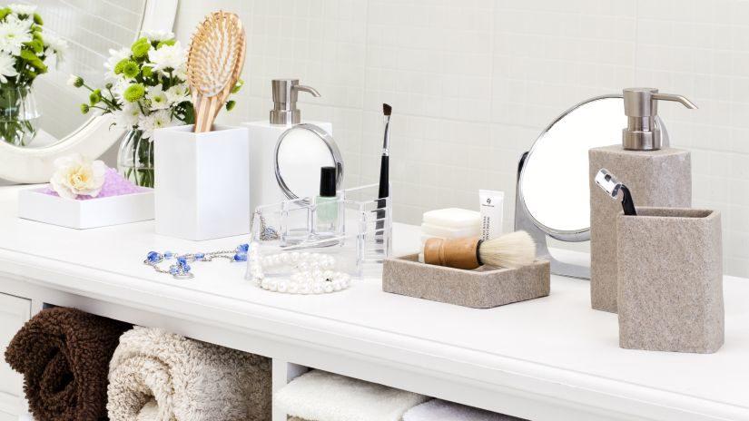 Malé kúpeľňové zrkadlo