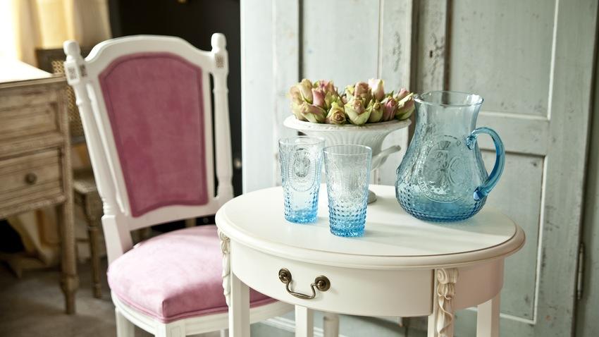Vintage romantický nábytok