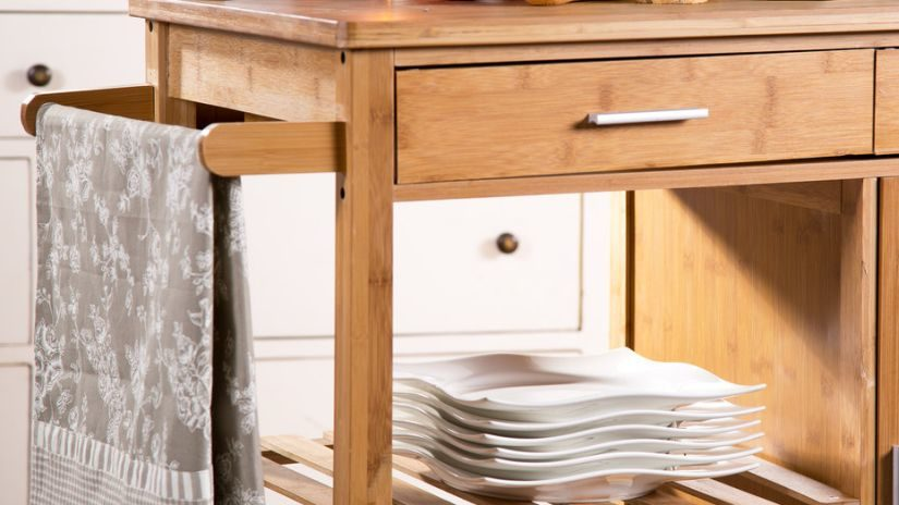 Stojan na uteráky z kvalitného dreva