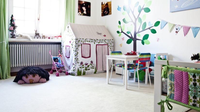 Veľký béžový koberec do detskej izby