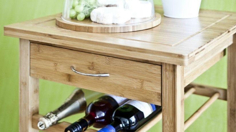 Drevený stojan na víno