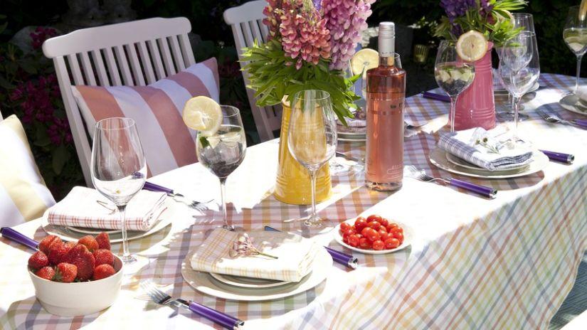 Rozťahovací stôl do záhrady