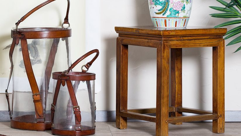 Malý štýlový nábytok z masívu