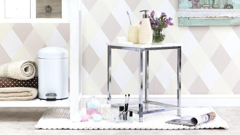 Biely kvalitný koberec do kúpeľne
