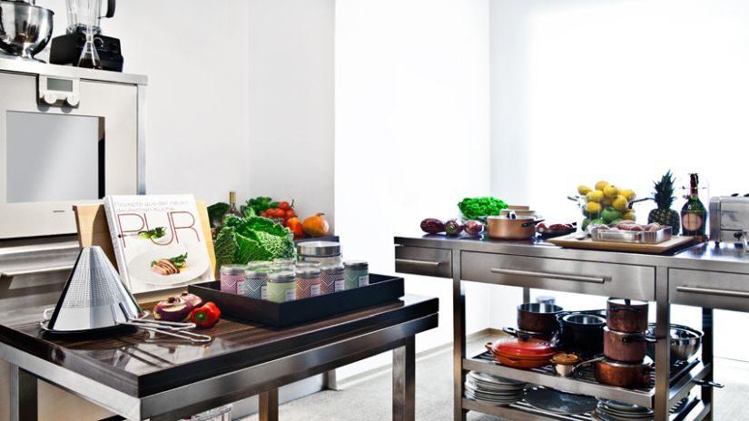 Moderné kuchyne z nerezu