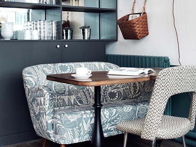En el Café Pinson encontramos una mezcla de estilo parisino combinado con un agradable y acogedor toque sueco.