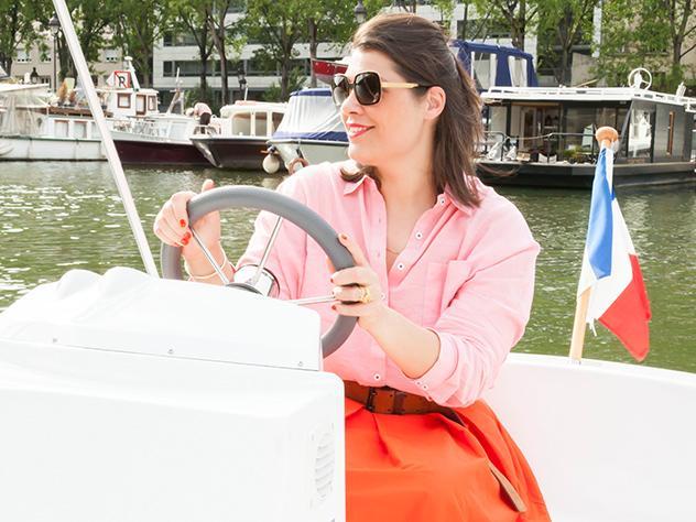 Para explorar el Canal es posible alquilar pequeñas embarcaciones eléctricas.