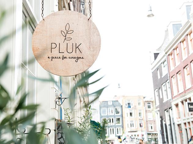 El recién abierto PLUCK es un lugar ideal para disfrutar de una deliciosa ensalada.