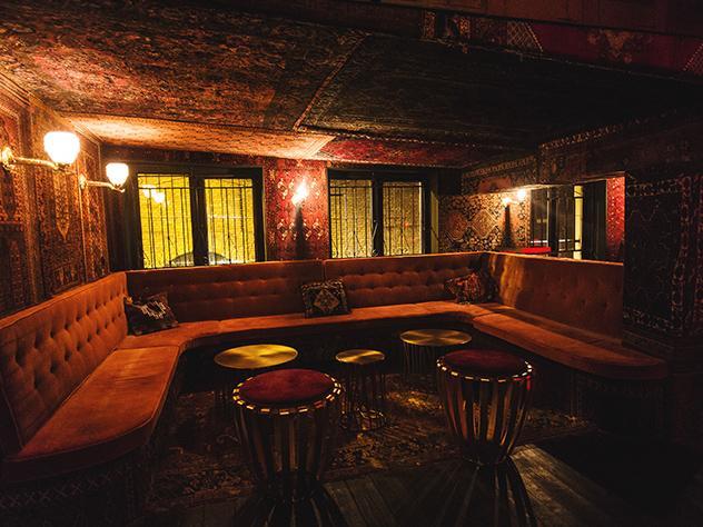 Disco Dolly es uno de los lugares donde puedes ir a bailar en Ámsterdam.