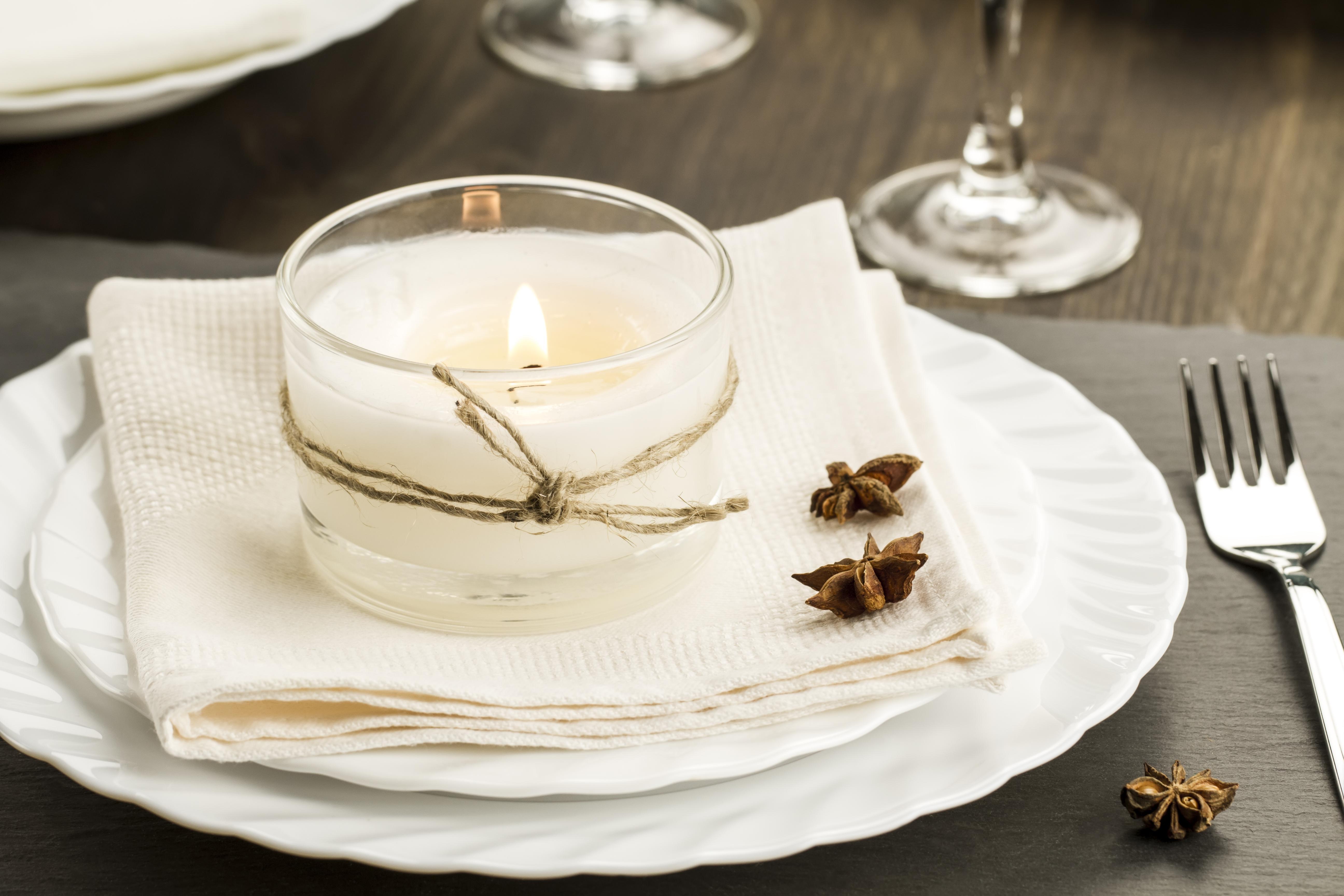 mesa de navidad con velas
