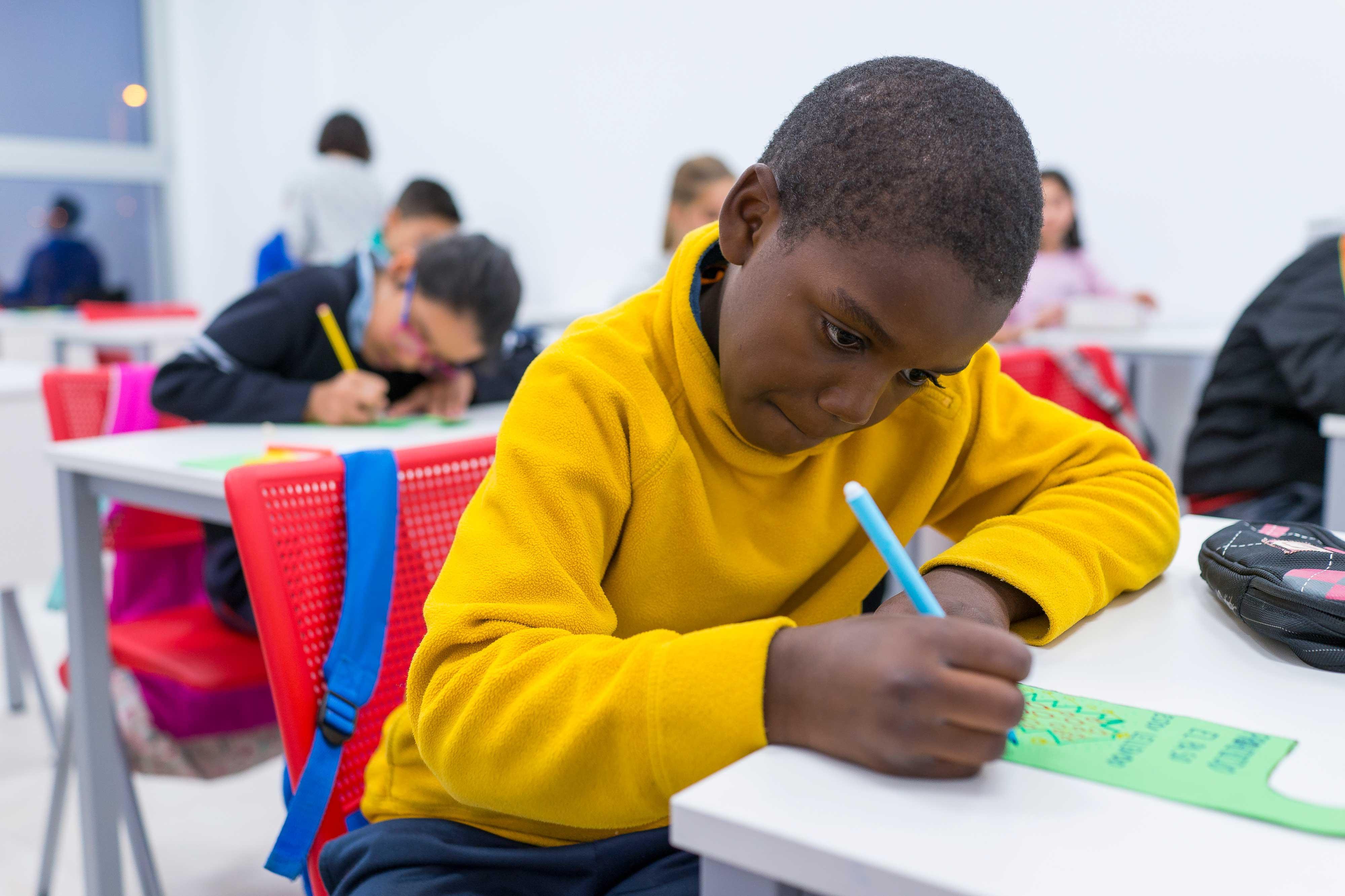 En el Centro se ofrece apoyo en las tareas escolares, práctica deportiva o talleres relacionados con la higiene o la nutrición.