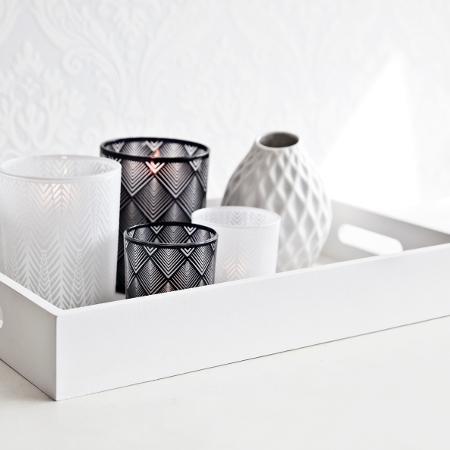 Fai da te: vassoio con carta adesiva