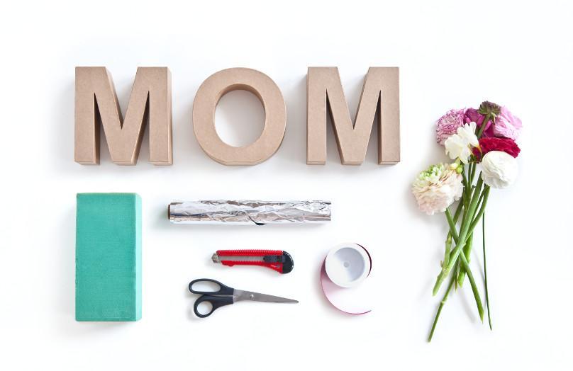 DIY: Kwiatowe litery na Dzień Matki
