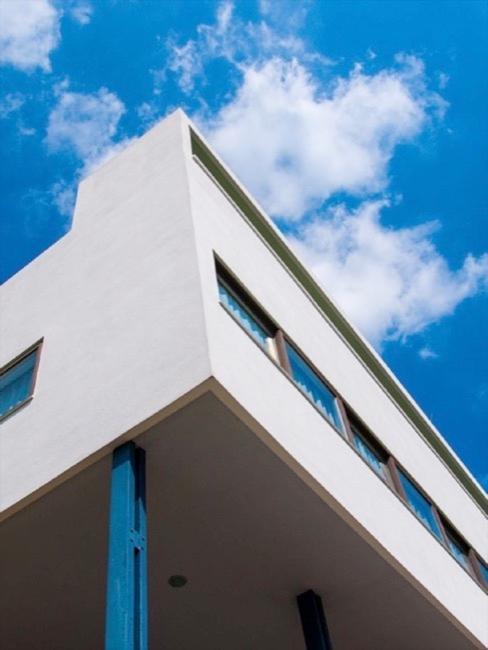 edificio in stile bauhaus