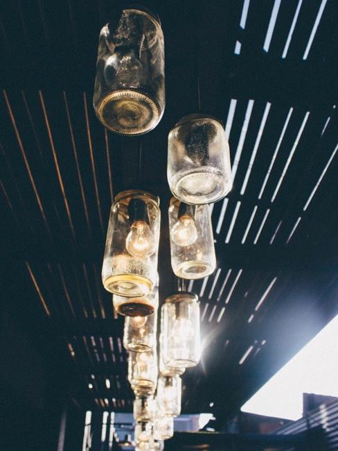 Selbstgemachte Lampe aus Weckgläsern