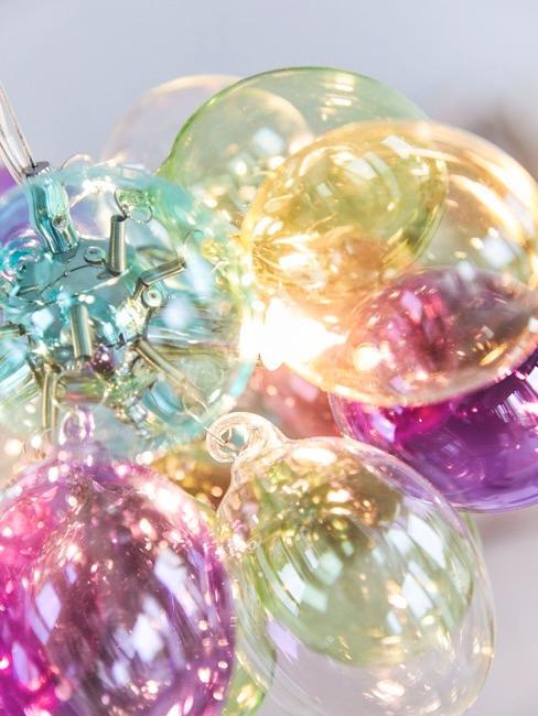 Lampade sferiche colorate di Patricia Urquiola